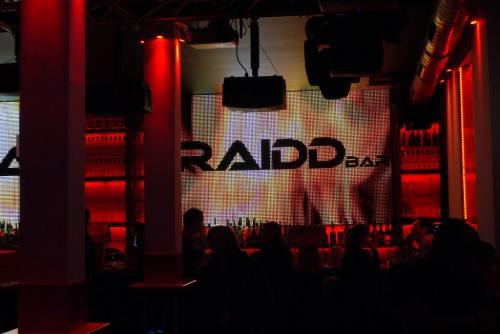 paris rencontre gay bars à Le Tampon