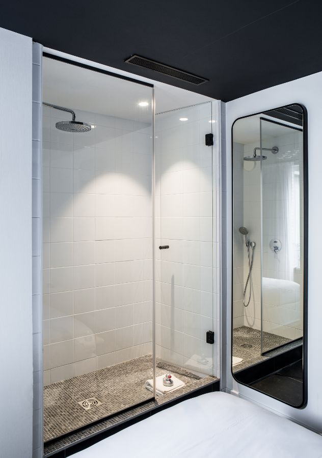 Shower Junior Suite