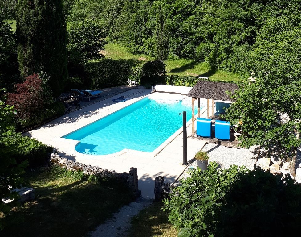 Piscine - naturisme possible