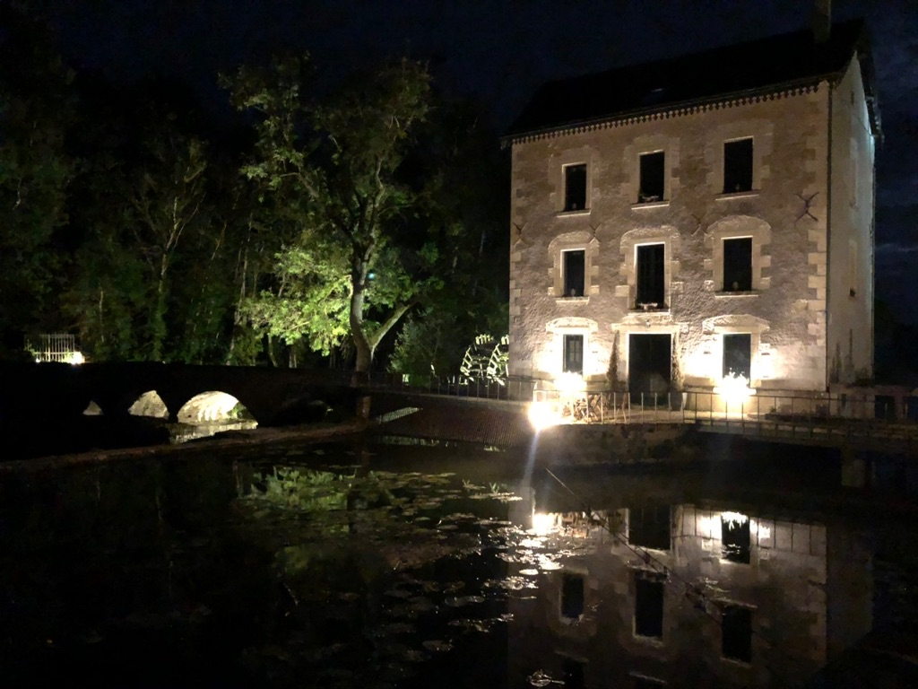 Le  moulin la nuit